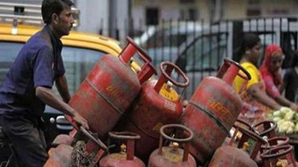 ખુશખબર : નવા વર્ષમાં આટલી ઘટશે ગેસ સિલિન્ડરની કિંમત