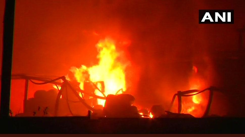 પાલઘર: કેમિકલ ફેક્ટરીમાં વિસ્ફોટ બાદ ભીષણ આગમાં 3ના મોત, અનેક લોકો ફસાયાની આશંકા