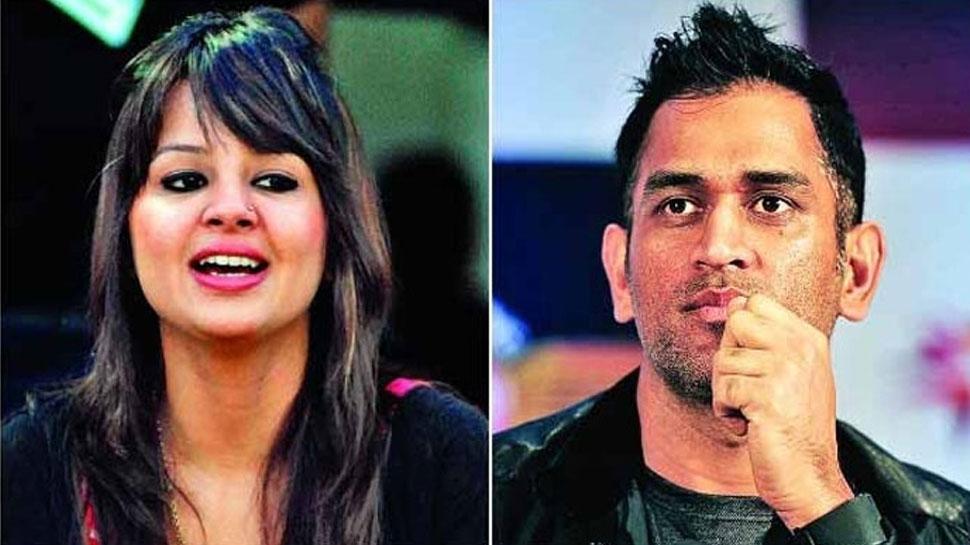IPL 2018 : જ્યારે ધોની ફટકારતો હતો સિક્સ, ફેન્સે કરી દીધું સાક્ષીને પ્રપોઝ