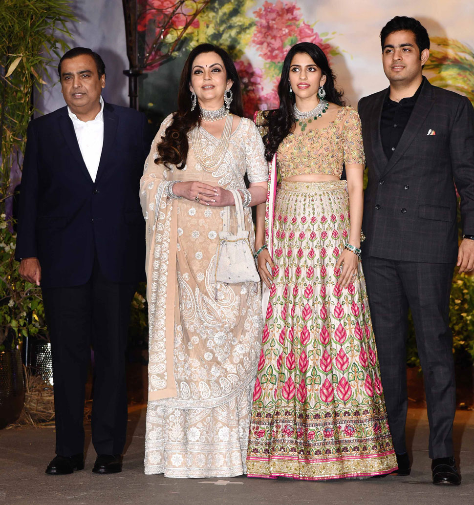 Sonam Kapoor Anand Ahuja reception: ambani family make an entry with to be daughter in law shloka mehta