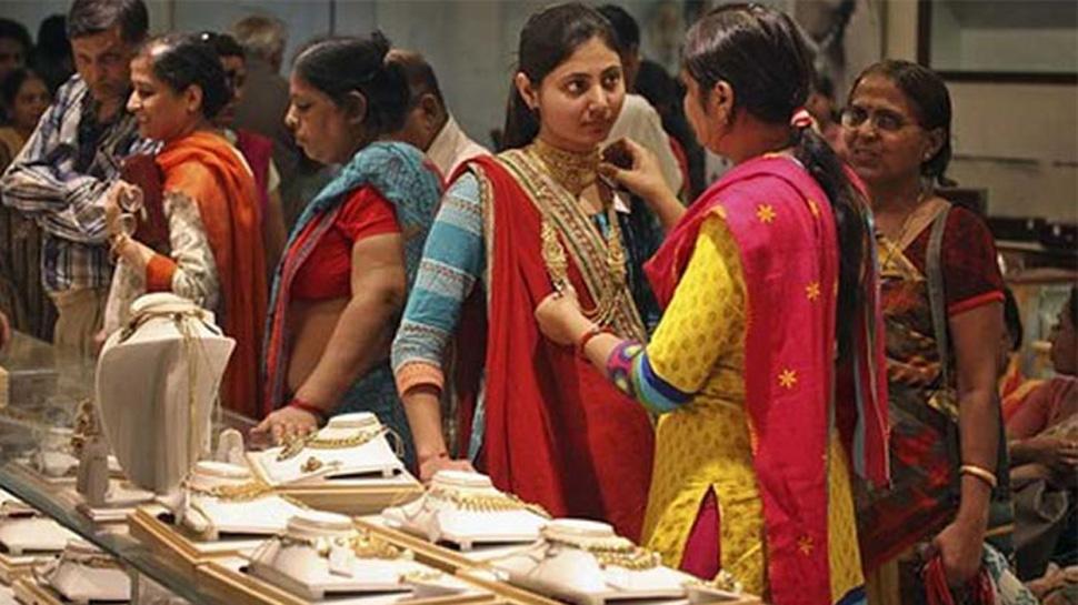 તહેવાર અને લગ્નસરાની સિઝન શરૂ થતાં જ સોનાની કિંમતમાં આવ્યો ઉછાળો, દિલ્હીમાં રૂ.31,980