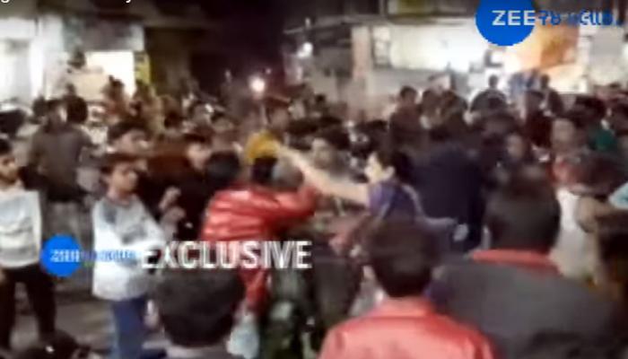 Video : જામનગરમાં એક મહિલા અને ચાર યુવકો વચ્ચે ખુલ્લા હાથે મારામારી, કારણ છે ચોંકાવનારું