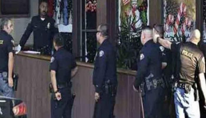 અમેરિકા : રેસ્ટોરન્ટની બહાર નગ્ન ગનમેનનાં ફાયરિંગમાં 4નાં મોત