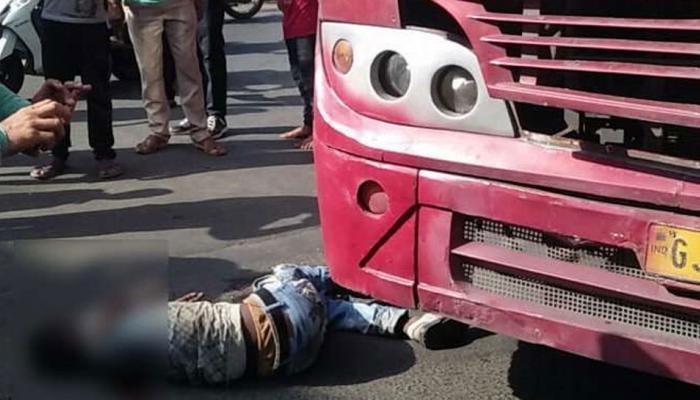 સુરતમાં BRTSએ યુવાનને અડફેટે લેતા મોત: સ્થાનિકોએ ડ્રાઇવરને માર્યો માર