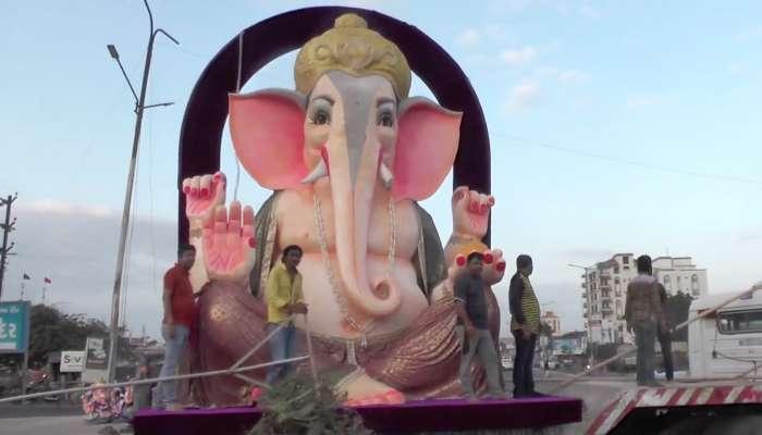 ભુજમાં 21 ફૂટ ઊંચી ઈકોફ્રેન્ડલી ગણેશજીની મૂર્તિનું સ્થાપન, ગુજરાતની સૌથી મોટી મૂર્તિ હોવાનો દાવો
