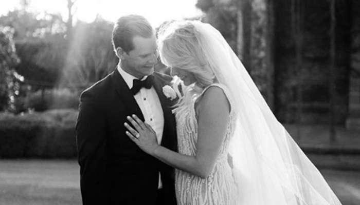PICS: ઈન્ટરનેશનલ ક્રિકેટથી દૂર રહેલા સ્ટીવ સ્મિથે પોતાના ગર્લફેન્ડ સાથે કર્યા લગ્ન