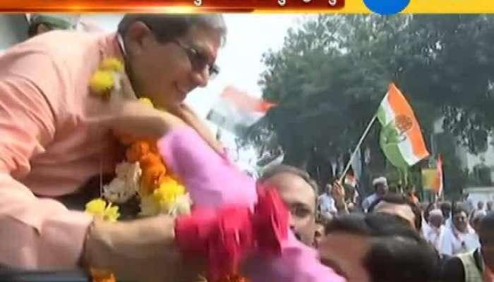 Gujarat: Dhiru Gajera quits Congress, may join BJP