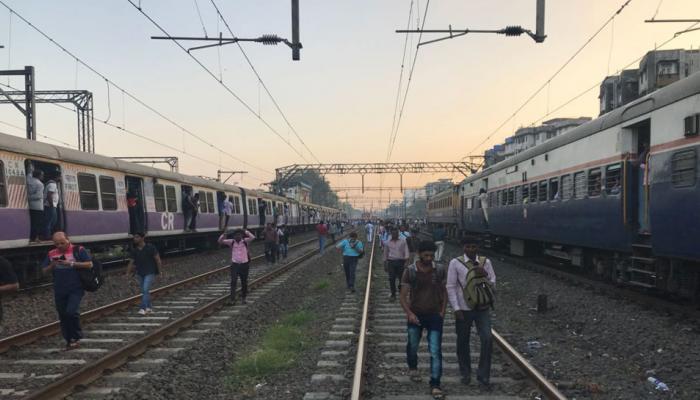 મુંબઇના જનજીવનનું 'એન્જીન' ઠપ્પ, જુઓ તસવીરો