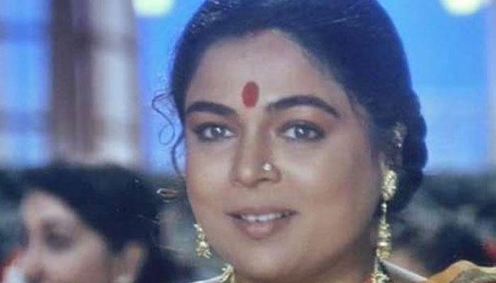 பாலிவுட்டின் முன்னணி நடிகை மாரடைப்பால் மரணம்!!