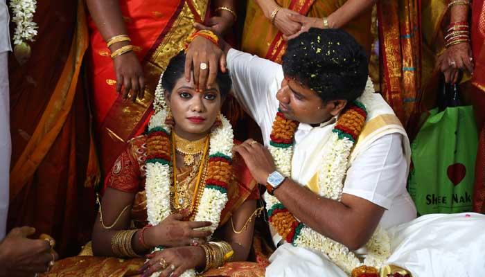இயக்குனர் நலன் குமரசாமி - சரண்யா திருமணம் :புகைப்படம் உள்ளே