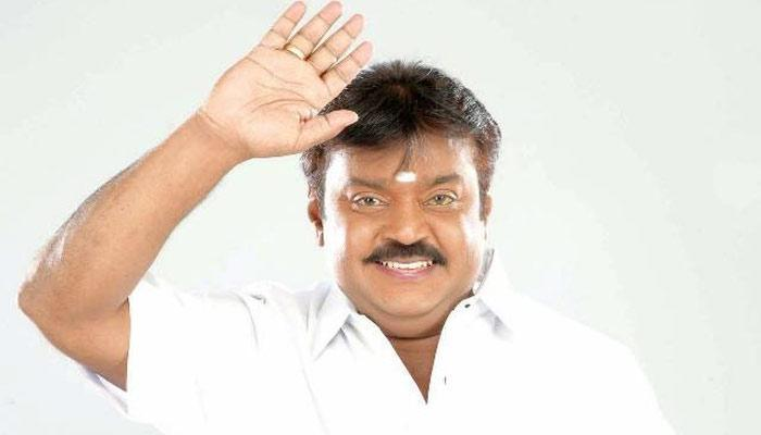 Photo Inside: சிங்கப்பூர் மருத்துவமனையில் விஜயகாந்த்!