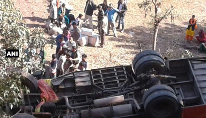 ஜம்மு-காஷ்மீரில் பேருந்து விபத்து 15 பேர் காயம்!