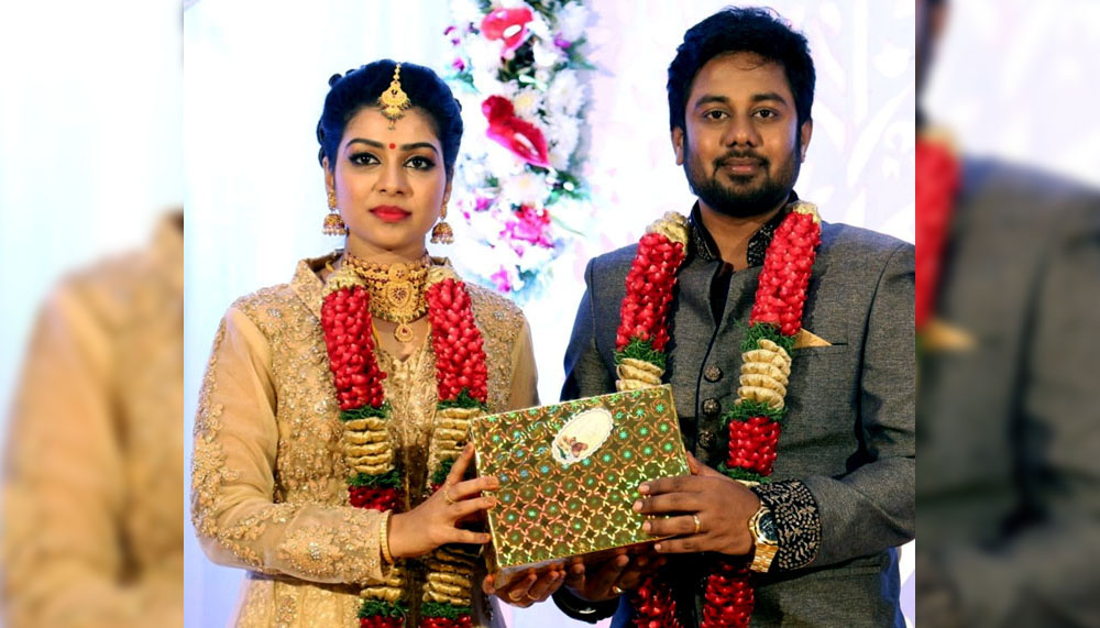 சத்னா டைட்டஸ் - கார்த்திக்
