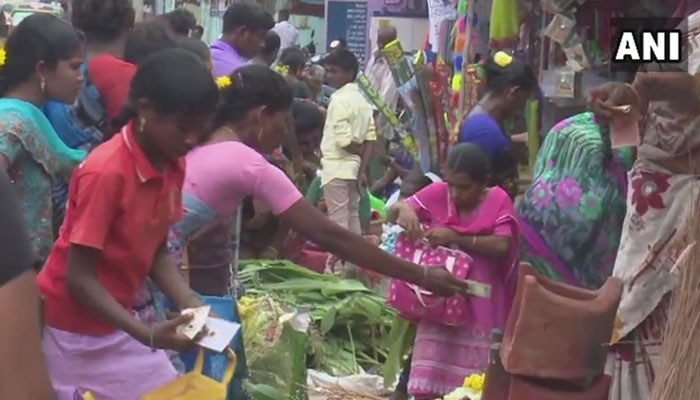 பொங்கல் பண்டிகை: ராமேசுவரத்தில் கூட்டம் அலைமோதல்!!