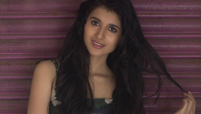 நடிகை சஞ்சனா கல்ரானி புகைப்படங்கள் ஒரு பார்வை!!