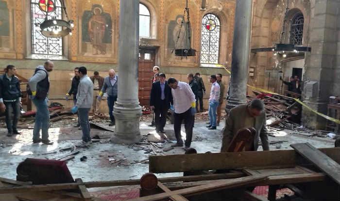 இந்தோனேஷி தேவாலயங்களில் வெடிகுண்டு தாக்குதல்-4 பேர் பலி: 16 பேர் படுகாயம்!