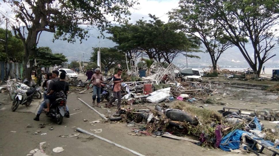 PHOTO: இந்தோனேசியாவில் சக்திவாய்ந்த நிலநடுக்கம், சுனாமி தாக்கியதில் 830 பேர் பலி