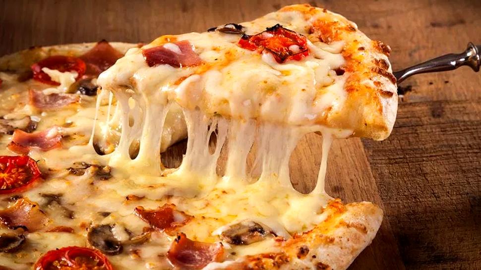 புற்றுநோய் நோயாளிகாக 362 km பயணம் செய்து Pizza டெலிவரி செய்த இளைஞன்!