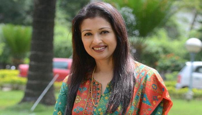 ஓபிஎஸ் வீட்டிற்கு சென்று நடிகை கவுதமி ஆதரவு