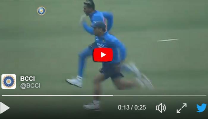 Video: டோனி-யை மிஞ்சும் பாண்டியா, விட்டு கொடுக்காமல் டோனி!