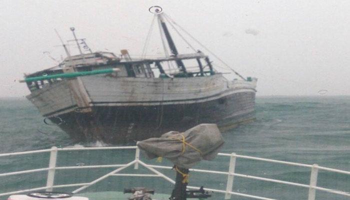 இலங்கை கடற்படையால் ராமேசுவரம் மீனவர்கள் 16 பேர் கைது!