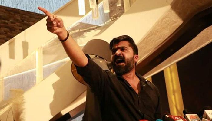 #CauveryIssue: கர்நாடக மக்கள் மனதில் நீங்கா இடம் பிடித்த சிம்பு!