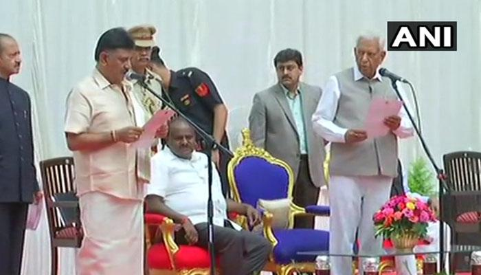 கர்நாடக: புதிய காங்கிரஸ்-மஜத அமைச்சர்கள் பெங்களூருவில் பதவியேற்பு!