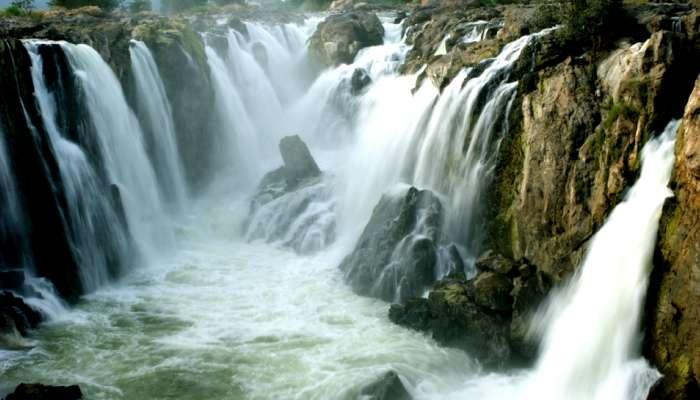 கரைபுரளும் காவிரி: ஒகேனக்கலுக்கு வரும் நீர்வரத்து 96,000 கன அடியாக உயர்வு!