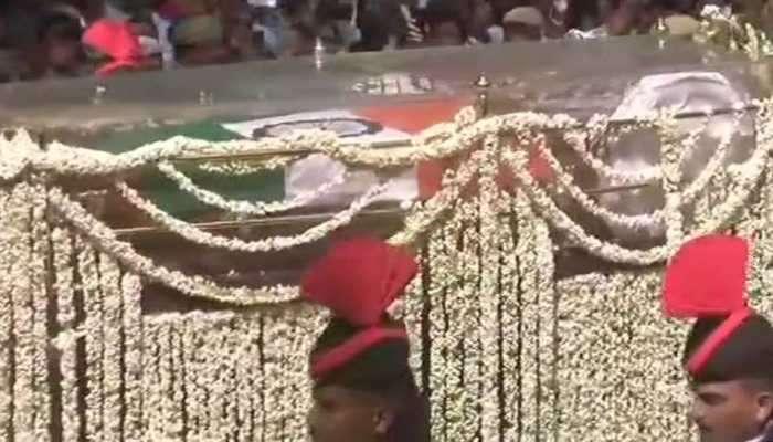 முன்னாள் பிரதமர் வாஜ்பாயி அவர்களுக்கு பொதுமக்கள் அஞ்சலி!
