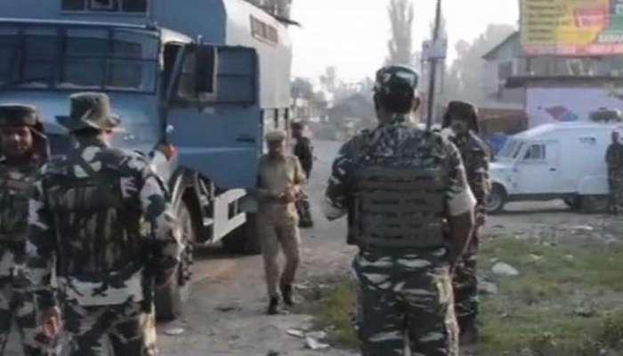 ஜம்மு காஷ்மீர்: CRPF முகாம் மீது தீவிரவாதிகள் தாக்குதல்!!