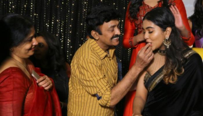 సినీ నటుడు రాజశేఖర్ కుమార్తె శివాత్మిక బర్త్ డే సెలెబ్రేషన్స్